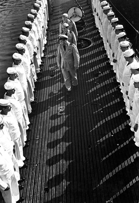 USS Capelin Crew